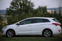 Hyundai i30 1,6 GDI Trikolor Weekend kombi