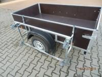 Stojan-kolébka na přívěsný vozík