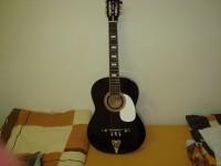 Prodám klasickou akustickou kytaru