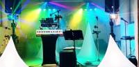 Hudba na svatbu, hudební skupina - Dj + zpěvačka