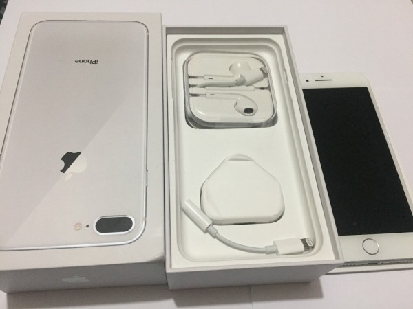 4090-Space Apple iPhone 8 Plus.jpg