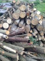 Palivové dřevo Kravaře, dřevo na topení Kravaře, štípané dřevo Kravaře