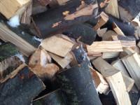 Palivové dřevo Petrovice, dřevo na topení Petrovice, štípané dřevo Petrovice.
