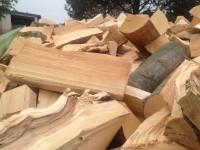 Palivové dřevo Bruzovice, dřevo na topení Bruzovice, štípané dřevo Bruzovice.