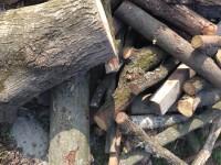 Palivové dřevo Baška, dřevo na topení Baška, štípané dřevo Baška.