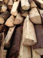 Palivové dřevo Hukvaldy, dřevo na topení Hukvaldy, štípané dřevo Hukvaldy
