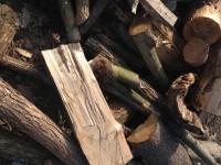Palivové dřevo :  Bousín, dřevo na topení Bousín, štípané dřevo Bousín