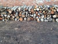 Palivové dřevo : Jezernice, dřevo na topení  Jezernice, štípané dřevo  Jezernice