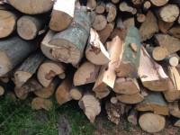 Palivové dřevo : Kladníky dřevo na topení  Kladníky, štípané dřevo  Kladníky
