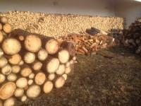 Palivové dřevo :  Cholina, dřevo na topení Cholina, štípané dřevo Cholina