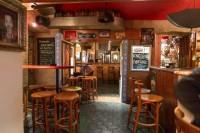 Přenechání pronájmu zavedeného baru v Plzni