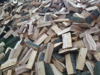 Štípané dřevo Opava